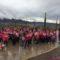 La lluvia no detuvo la marcha rosa al Castillo contra el cáncer de mama