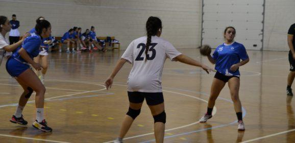 Las juveniles de la Escuela de Balonmano despegan frente al UCAM Murcia