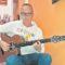 AndrésMartínez comparte, estos días, sus canciones en las redes sociales