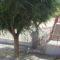 Finaliza la instalación de la valla que aumenta los metros del patio del Carmen Conde
