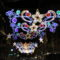 Las luces y los adornos son una buena ayuda psicológica para esta Navidad