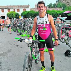 Fernando Burruezo logra la posición 29 de la general en el IIITriatlón Cross de Castril de Granada