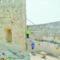 La jumillana Estefanía Gandía participa en una excavación en el Castillo de Xátiva