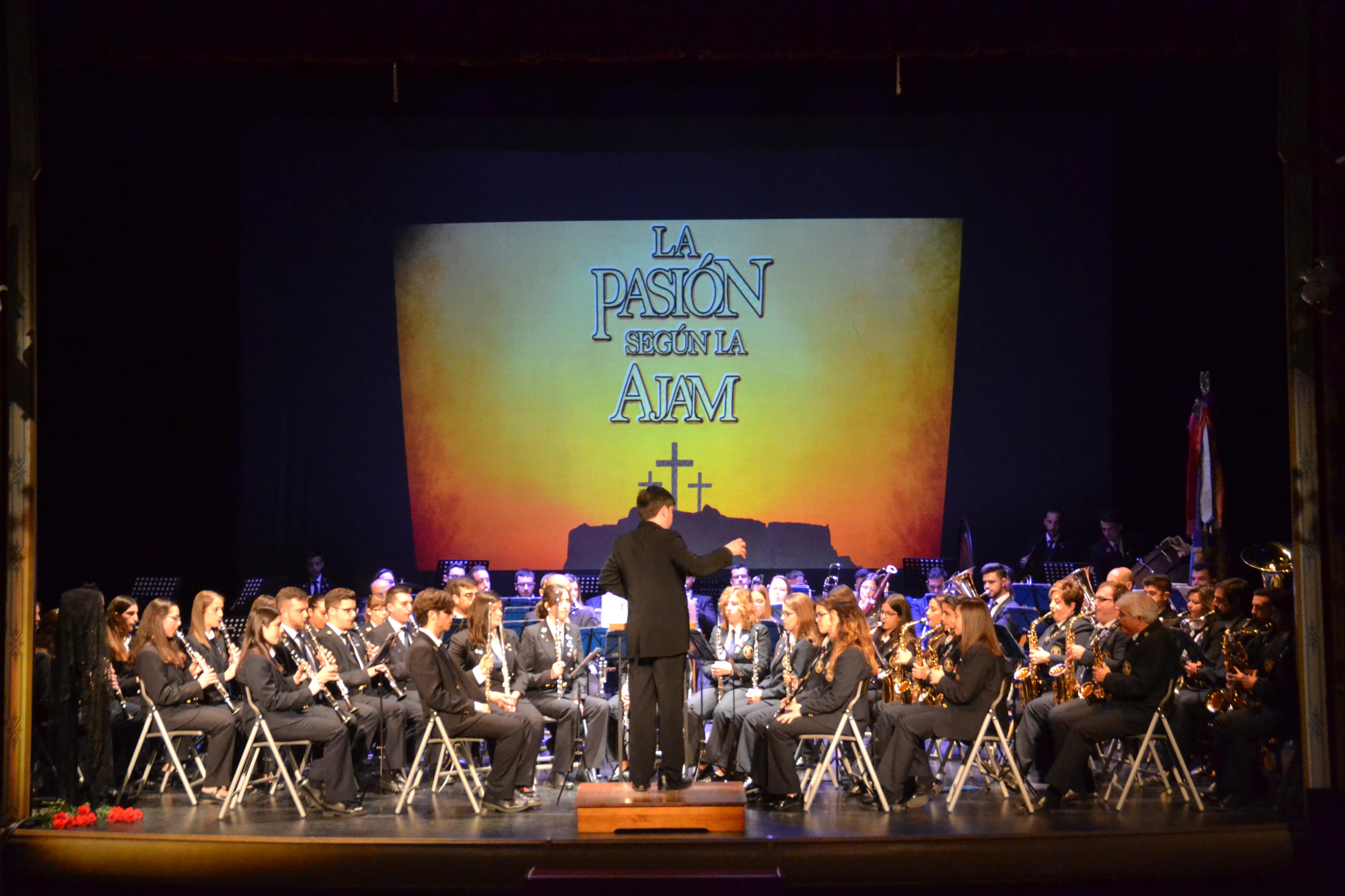La AJAM transmitió su 'Pasión' a un abarrotado Teatro Vico