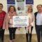 Aguas de Jumilla entrega un donativo de 2.000 euros a la Asociación Contra el Cáncer