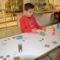 Los niños aprenden a diseñar un juguete antiguo gracias a una actividad desarrollada en el Museo