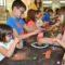 Casi una veintena de niños 'experimentaron' en el Museo