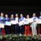 Los alumnos de los centros educativos  reciben orlas, becas, diplomas y birretes