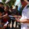 Los jóvenes reciben de primera mano información sobre las Fuerzas Armadas