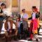 Inestables dirigió una gran visita teatralizada por Jumilla que fue enganchando a los viandantes