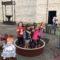 Un día de vendimia para los niños del Miguel Hernández