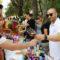 Vecinos y visitantes combaten el calor con el vino de Jumilla en la Miniferia