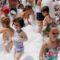 Centenares de niños asisten al parque acuático y fiesta de la espuma en el Mariano Suárez